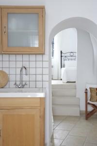 Spiti Stelios-Kitchen-to-Bedrooms